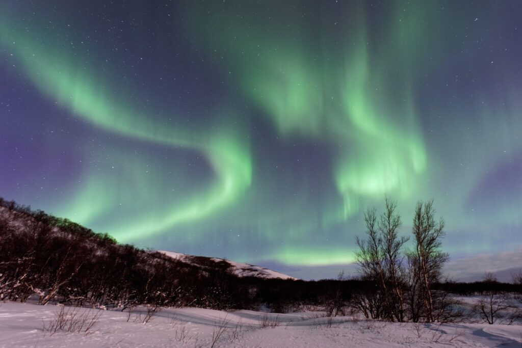 4 how to see northern lights on a shoestring budget