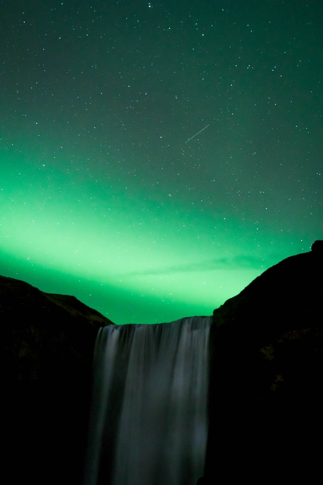 how to see northern lights on a shoestring budget