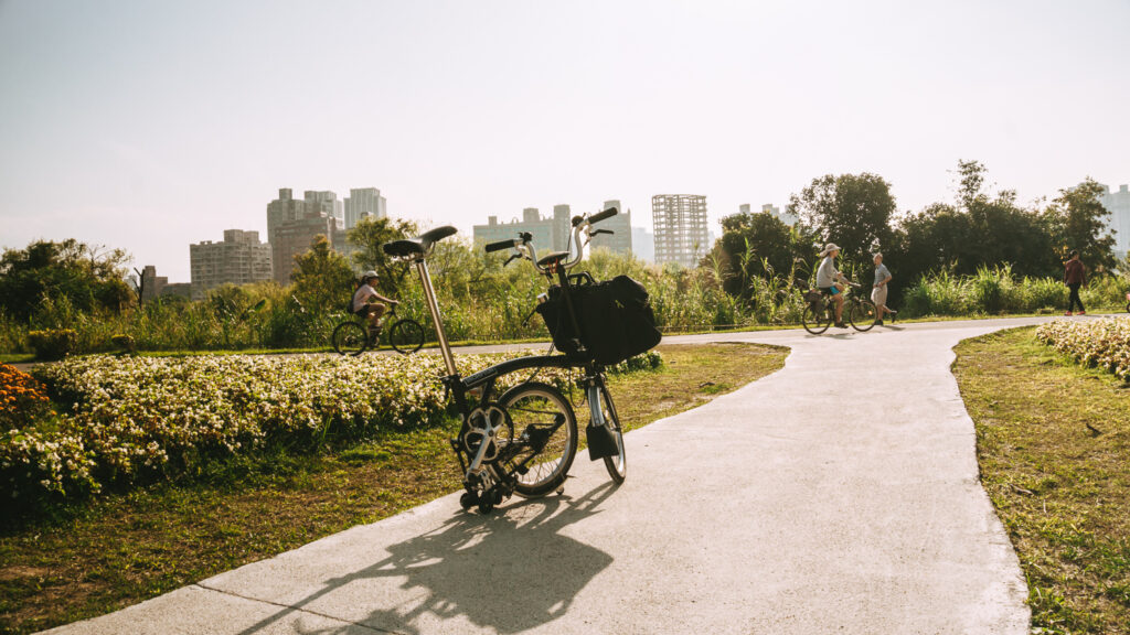 offbeat escapades- brompton best bicycle for digital nomads