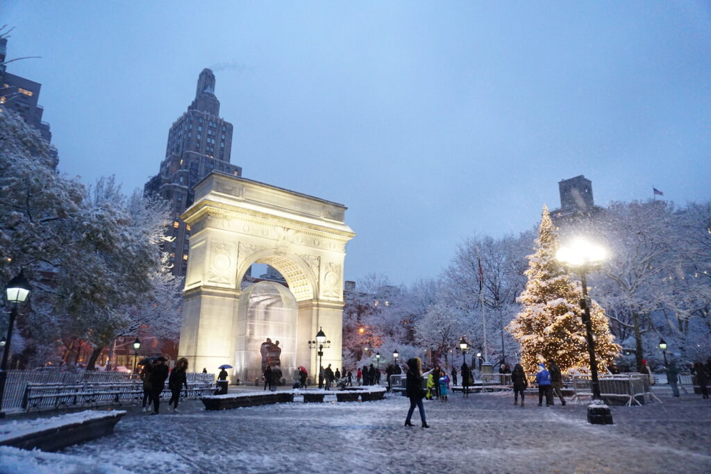 the best time of the year to visit new york - december in new york