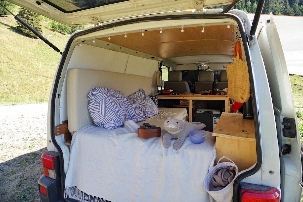 Upcycling Furnite - Build a Budget Campervan 1